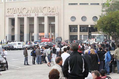 Por que o Corinthians não usa as novas bilheterias?