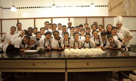 Gastromotiva transforma jovens em profissionais da cozinha