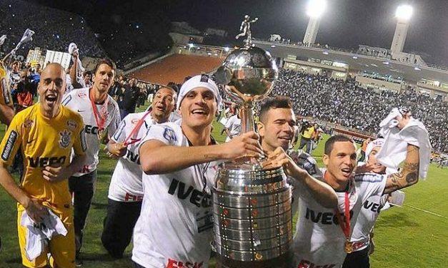Libertadores original fica mais um mês no Parque São Jorge