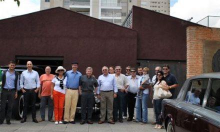 Colecionadores de Rolls-Royces se reúnem na Vila Leopoldina