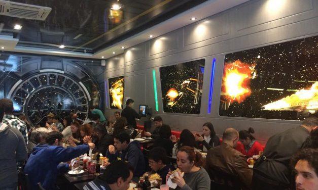 Que as lanchonetes temáticas estejam com você na nova Jedi's Burger & Grill