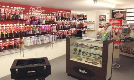 Primeiro fabricante nacional de pentes e escovas mantém um outlet na zona Norte
