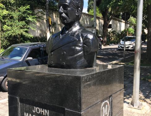 Busto de John Mackenzie, em Higienópolis, foi reinaugurado quatro meses após ataque